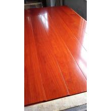 Noble rojo decorativo balsamo con olor de pisos de madera de ingeniería
