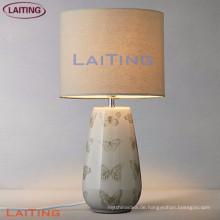 Neue Produkt Tischlampen mit weißem Schirm Hochwertige Fabriklampe