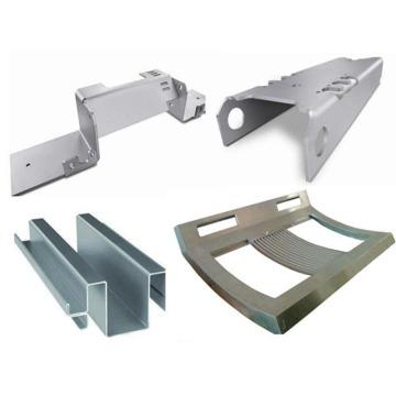 CNC que trabaja a máquina las piezas de doblez de la placa de metal