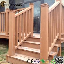 Rampe d'escalier extérieure en bois tec en plastique