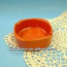 Haonai 2014 cenicero de cigarrillos de cerámica en blanco anaranjado de encargo popular