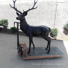moderne Gartenskulptur Metall Handwerk Bronze Hirsch Statue aus Messing