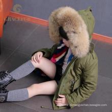 Выдающийся производство енота меховой воротник куртка дети толщиной зимняя куртка