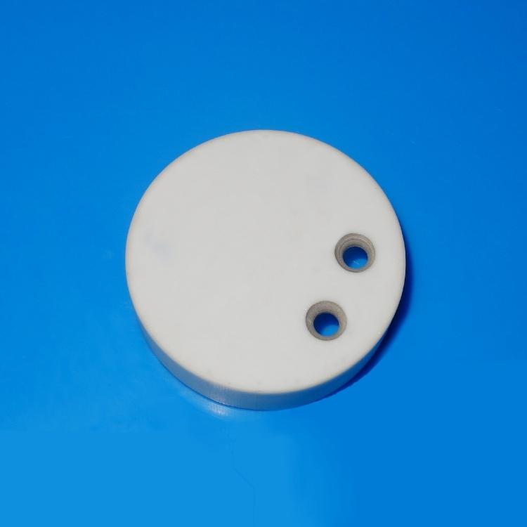 Ceramic feedthru with metallization