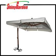4 * 4M en bois Cantilever 240G Polyester Parasol avec ouvert dans le milieu et 18-20cm Rabat et base différente