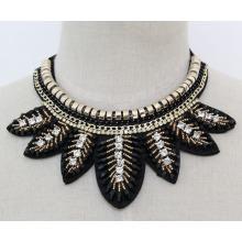 Дамы ювелирные изделия Кристалл листья воротник ожерелье (JE0134)