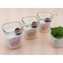 Transparente Milchglasflasche Saftflasche Puddingglas mit Kunststoffdeckel