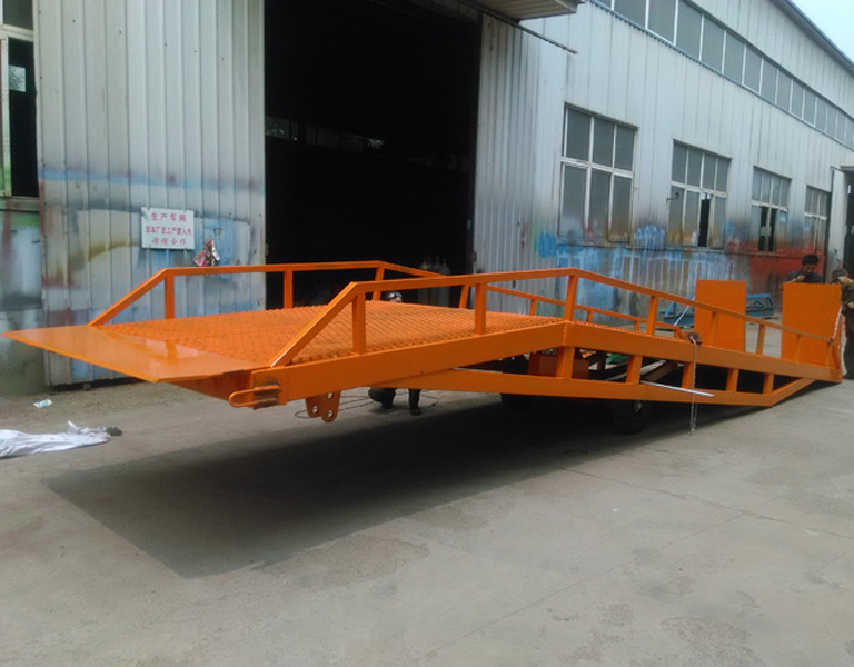 Mobile Hydraulic Forklift Ramp Container For Warehouse