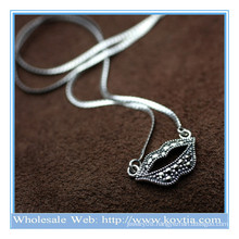 Wholesale 925 silver sexy lip shape snake chains pendant necklace