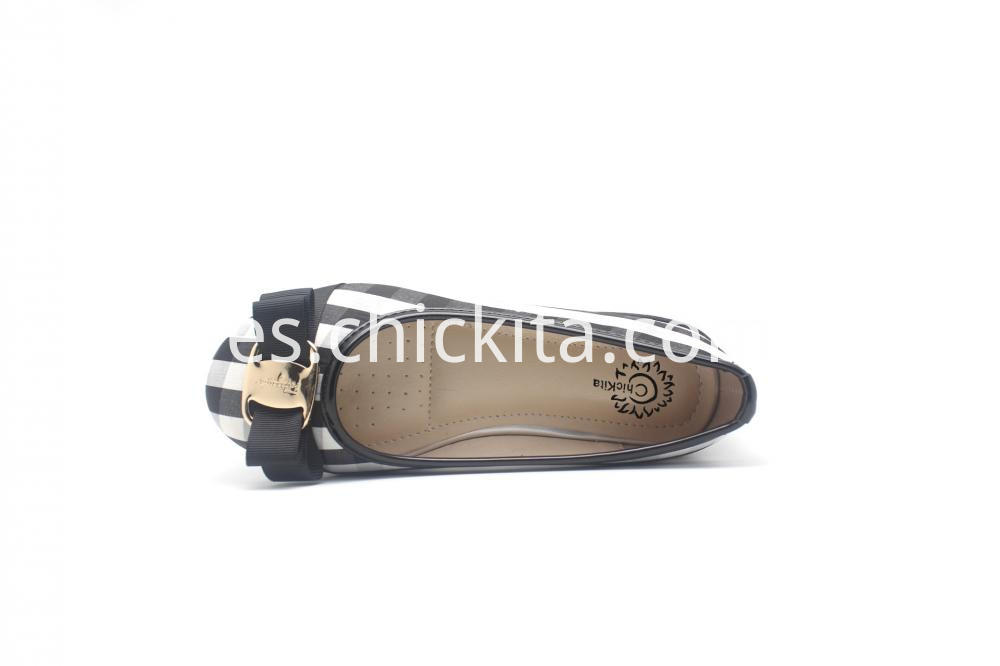 Girl S Closed Toe Closed Back Flat W Gold Buckle