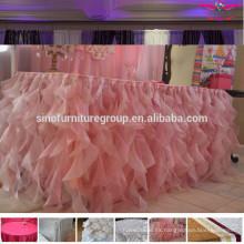 Ruffled boda de tela de mesa