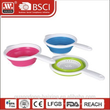 Plastic sink colander with handle