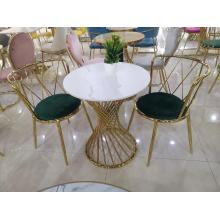 Reception And Negotiation Of Desk And Chair