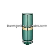 Loción de acrílico botella cosmética con collar en plata brillante
