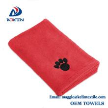 2017 Hot Microfiber Pet Handtuch Hund Trocknen Badetuch mit gestickten Pfote gedruckt