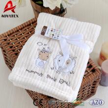 mantas para bebés con ribetes de raso, manta de lana de coral beis bebé, mantas bordadas de confort para bebés