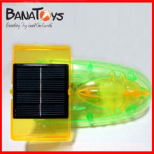 Voiture de jouet solaire intéressante