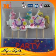 Decoração de bolo de festa de aniversário de crianças adorável projetado para venda