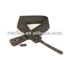 Correa trenzada de mujer con PU marrón, cuerdas de cera, accesorios de aleación, remaches, cuero trenzado