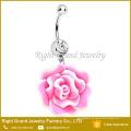 La flor de resina floreciente cuelga el anillo de cristal del ombligo Anillo del ombligo Piercing de la joyería del cuerpo