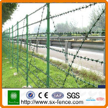 Колючая проволока из колючей проволоки + забор + забор из проволочной сетки ++ (простая установка)