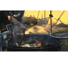 Churrasqueira a carvão ao ar livre com churrasqueira