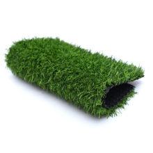Fabrikbasketball, der den künstlichen Rasen benutzt für Boden ausbreitet