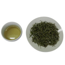White tea, fat bud full of white pekoe, with straight shape, clean and plain