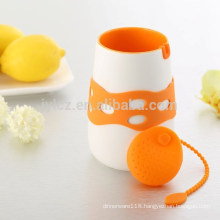 480cc ceramic tea cup with silicone tea infuser and silicone sleeve