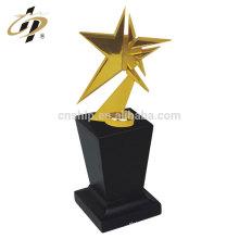 China baixo preço de alta qualidade da forma da estrela personalizado troféu de metal de ouro