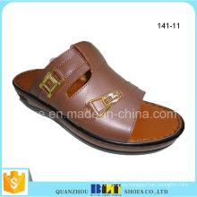 Zapatillas árabes elegantes de los hombres del proveedor
