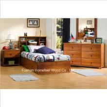 Детская кровать с двумя односпальными кроватями
