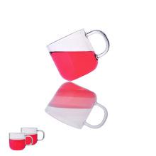 Petite tasse à café en verre expresso