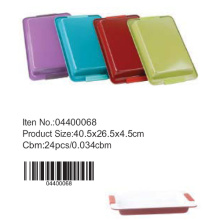 Colorful deep rectangle pan with silicone handle