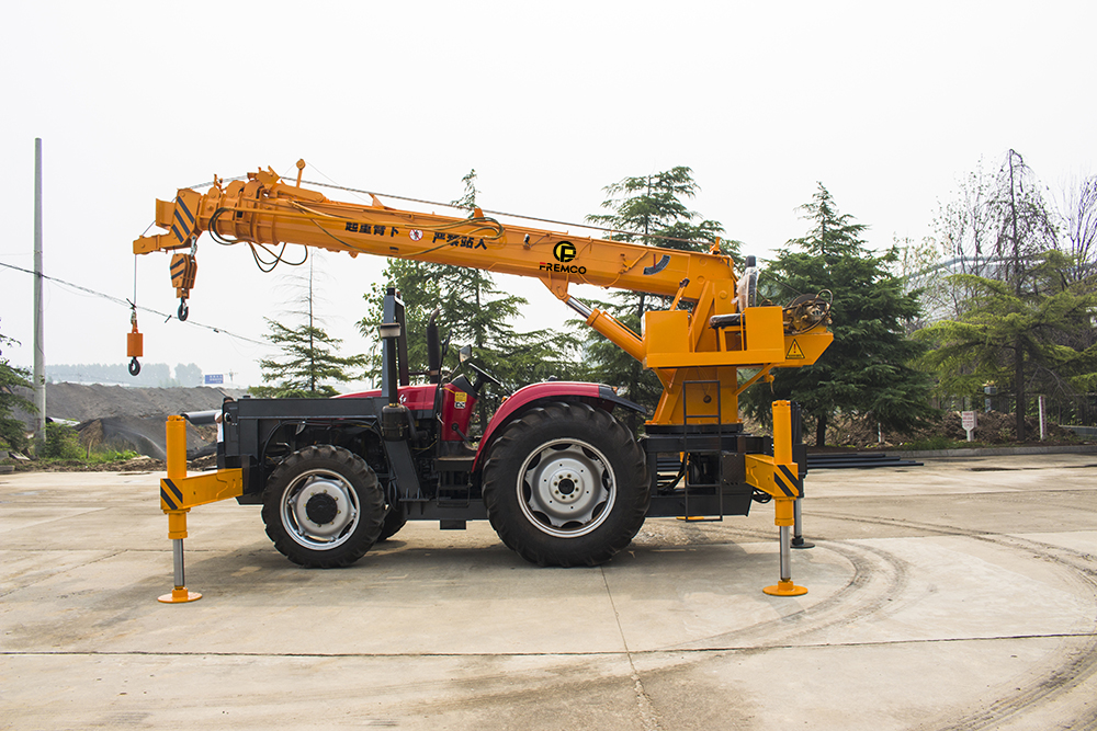 Tractor Crane with Straight Arm