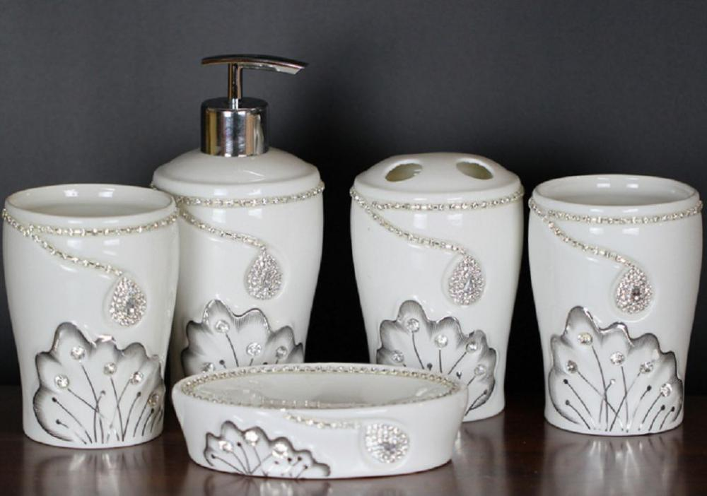 5 PC di set da bagno in ceramica