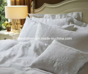 2013 Bed Linens with Piping and Embroidery (BL-012)