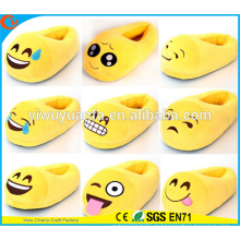 Hot Selling Comfortable Fashion Emoji Expressão Facial Plush Slipper Cover Heel