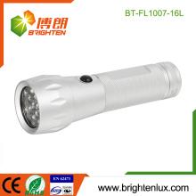 Fábrica por encargo de la vivienda de 3 * AAA de batería de color de plata de color brillante de aluminio de metal 16 llevó mejor linterna barata