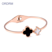 Ladies Thin Rose Gold 4 Leaf Clover Gelang