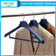 Elegant und anmutig Kunststoff-Anzug-Hänger