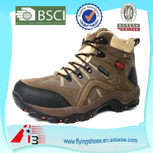 Insulated sport hiking shoe antiderrapante