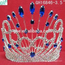 Corona de belleza de piedra púrpura