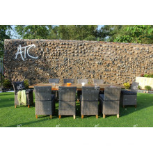 Projeto intemporal de poliéster sintético de poliéster e conjunto de jantar para jardim ao ar livre Mobília de vime de pátio