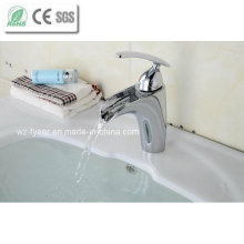 China solo mango cuarto de baño cascada grifo grifo de latón (q210e)