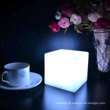 Luz de mesa de café mudando cor viva