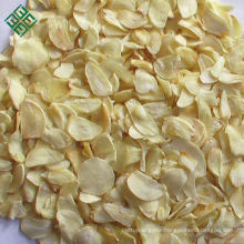 Chinese spices favourable price first grade white dehydrated garlic flakes wholesale