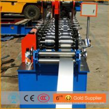 Machine de fabrication de rouleaux de crémaillère de stockage