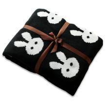 बच्चे कपास कंबल काले खरगोश के साथ