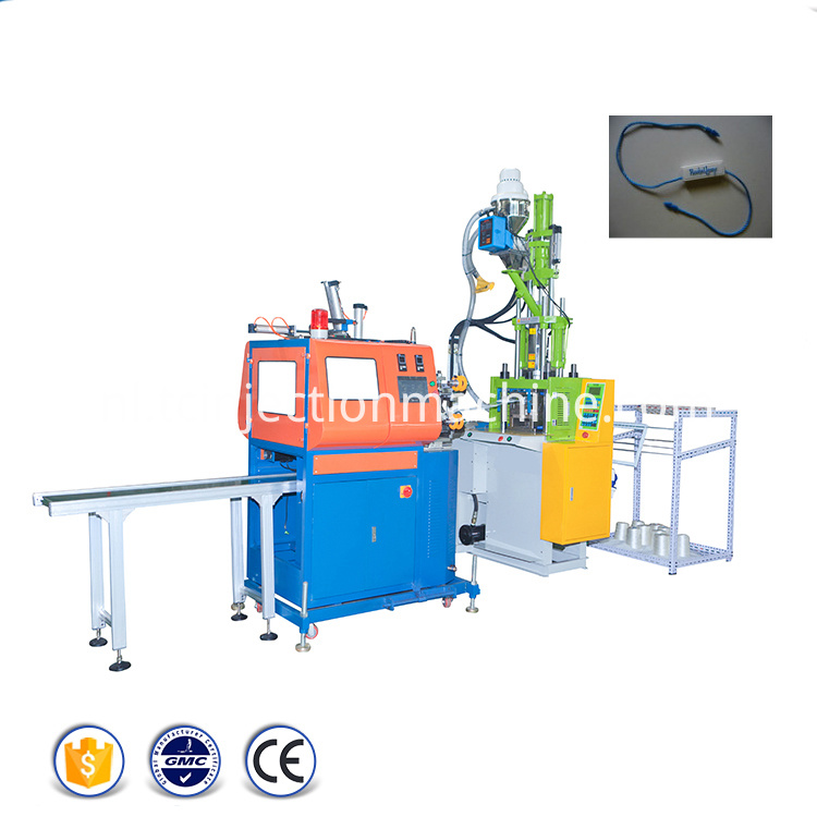 Seal Hang Tags Injection Molding Machine